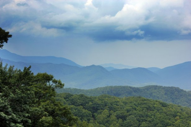 Where the Smokey Mountains got its name from...